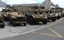 Un défilé de véhicules militaires de la Seconde Guerre Mondiale à Carentan pour le 14 juillet