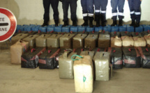 Les 2,3 tonnes de résine de cannabis étaient dissimulées dans une cache aménagée d'un poids-lourd