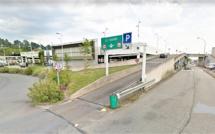 Montivilliers (Seine-Maritime) : la voiture percute un pilier du parking aérien, un blessé grave