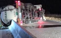 Un camion-citerne se couche et bloque l'A28 toute une nuit dans l'Eure