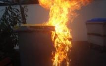A Bihorel, près de Rouen, deux poubelles et une voiture brûlent, un suspect interpellé