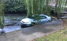 Serquigny  : ivre, il plonge avec sa voiture dans la Charentonne en faisant une marche arrière