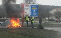 Gilets jaunes : à Rouen, les accès au marché d'intérêt national débloqués par la police ce matin