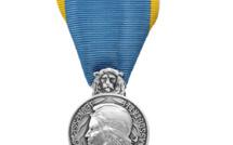 Eure : trois anciens sportifs décorés de la médaille d'argent de la jeunesse et des sports