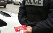 Priorité aux piétons : à Rouen, la police distribue des cartons rouges et sensibilise les automobilistes