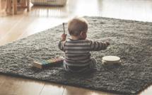 Yvelines : un bébé de 18 mois retrouvé seul en pleine nuit dans l'appartement de sa mère