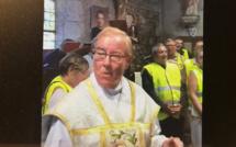L'abbé Michel se lâche après la messe et insulte le chef de l'État : le préfet de l'Eure saisit la justice