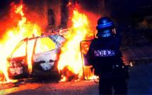 Violences urbaines : policiers caillassés, voiture et poubelles incendiées à Mantes-la-Jolie