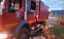 Eure : le feu de chaumes menace la voie SNCF et une ligne à haute tension près de Rugles