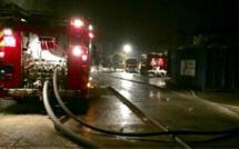 Incendie aux Damps, près de Pont-de-l'Arche (Eure) : le garage a entièrement brûlé
