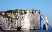 Seine-Maritime : huit personnes isolées par la marée au Trou à l'homme à Étretat