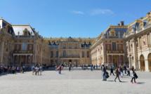 Une touriste chinoise se fait arracher son sac par une adolescente au château de Versailles