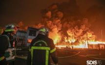 Impressionnant incendie dans l'usine Lubrizol à Rouen : 200 sapeurs-pompiers sont mobilisés depuis le milieu de la nuit