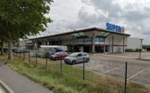 Les clés étaient restées sur le coffre-fort : 45 000€ dérobés dans un supermarché des Yvelines