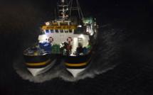 Un marin-pêcheur blessé secouru par un hélicoptère de la Marine nationale au large du Havre