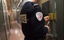 Six jeunes arrêtés pour vol et dégradations à la station-service Carrefour à Sartrouville (Yvelines)