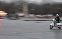 A Rouen, prétextant vouloir l'essayer, il s'enfuit avec le scooter électrique d'un passant : il est identifié et arrêté
