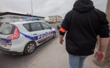 Surpris avec des fausses plaques d'immatriculation après une grivèlerie à Versailles (Yvelines)