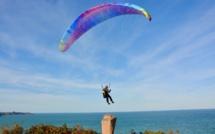 Seine-Maritime : sa voile s'accroche à la falaise, un parapentiste hélitreuillé par Dragon 76 à Etretat