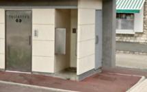 Deux ados tentent de mettre le feu aux toilettes publiques à Sotteville-lès-Rouen