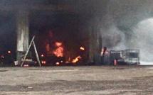 Eure : un bâtiment industriel détruit par le feu à Igoville, une cinquantaine de pompiers mobilisés