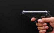 Yvelines : il menace sa mère avec une arme de poing au cours d'un différend familial à Aubergenville