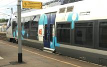 Yvelines : le couteau sous la gorge, elle se fait dérober son sac à main dans le train