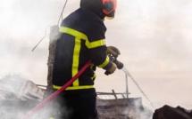 Une voiture calcinée et une autre endommagée dans l'incendie d'un garage à Déville-lès-Rouen