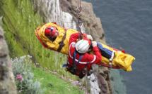 Seine-Maritime :  un homme saute de la falaise sous les yeux des pompiers près du Havre
