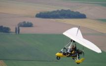 Seine-Maritime : l'ULM rate son atterrissage dans un champ aux Loges, les deux occupants sont indemnes
