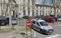Yvelines : son scooter placé en fourrière, il menace de mort les policiers de Versailles