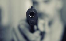 Yvelines : braqué pour son téléphone et son portefeuille par sept individus armés et cagoulés