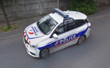Yvelines : ils tentent de se débarrasser d'un téléphone volé dans la voiture de police