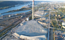 Ses trois dernières cheminées rasées : l'ex-raffinerie Petroplus, près de Rouen, définitivement rayée du paysage