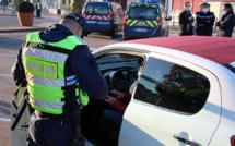 Au Neubourg, dans l'Eure, les gendarmes veillent au respect des mesures de confinement