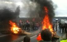 Le ton monte chez Renault : après Flins, débrayages à Sandouville et Cléon