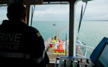 Exercice de lutte antipollution au large de Cherbourg