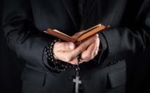 Ils ont soutiré 150 000€ à vingt-huit prêtres : deux escrocs dorment à la prison du Havre (Seine-Maritime)