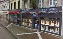 La bijouterie Gaël braquée à la voiture bélier par un commando encagoulé à Fécamp