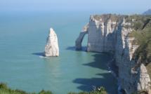 Seine-Maritime : le corps sans vie d'un homme découvert au pied des falaises à Étretat