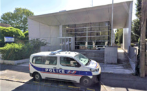 Yvelines : trois policiers blessés dans le commissariat par un homme ivre, à Rambouillet