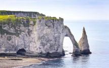 Seine-Maritime : quatre adultes et quatre enfants isolés par la marée au Trou à l'homme, ce matin à Etretat