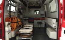 L'homme, inconscient, est évacué  par une fenêtre du 1er étage de son habitation près de Rouen