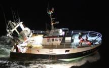 Voie d'eau sur un chalutier au large de Dieppe : les cinq marins-pêcheurs sont sains et saufs