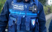 Gravigny : elle tente de mordre un policier municipal et met des coups de talons à un autre
