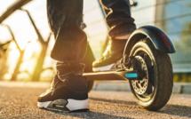 Collision entre une voiture et une trottinette électrique à Grand-Quevilly : une adolescente blessée