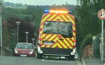 Le conducteur piégé dans sa voiture immobilisée sur le toit près de Forges-les-Eaux