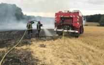 5 hectares de chaume et des round-ballers brûlés à Lignerolles dans l'Eure
