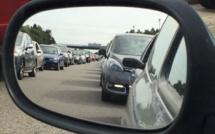 Chassé-croisé sur la route des vacances : plus de 1000 km de bouchons cumulés ce midi