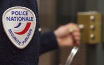 Rouen : il urine contre le mur d'un magasin et s'exhibe devant une jeune femme